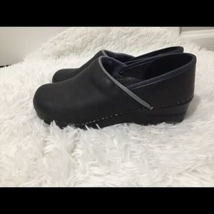 Dansko Shoes Clogs Size 38 slip- resistant